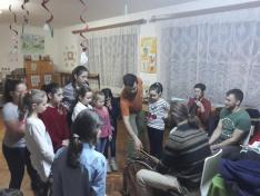 Néptánc gyermekeknek - a hangszerekkel is megismerkedtek