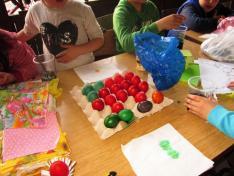 színes tojások