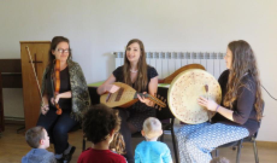 Zenekar: Dancs Ágnes, Garamvölgyi Anett, Benyó-Korcsmáros Réka