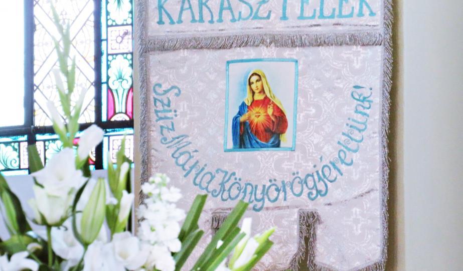 Szent Kereszt oltalmában - Száz éves a kárásztelki római katolikus templom