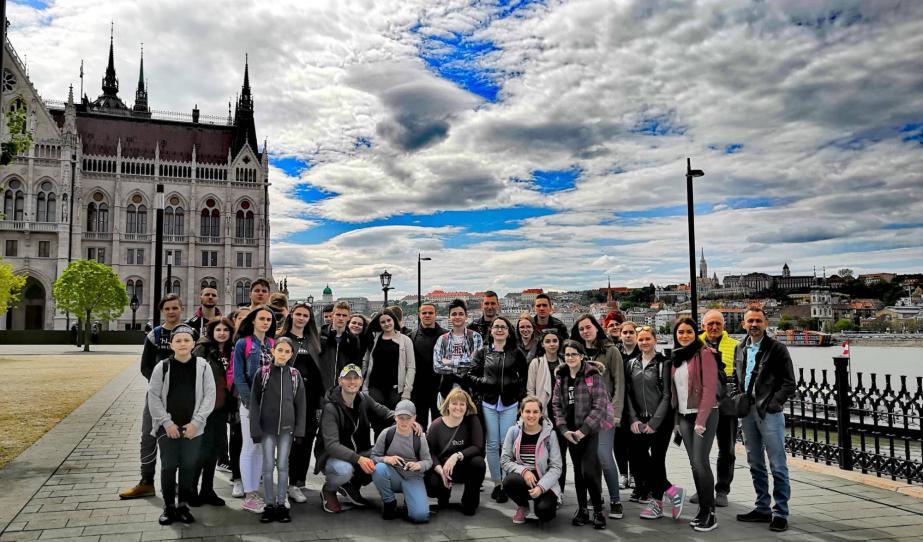 Versec, Fejértelep, Ürményháza, Udvarszállás fiataljai