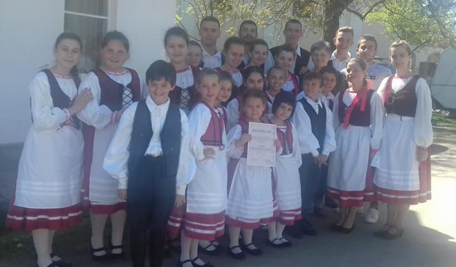 XXV. Gyöngykoszorú Népzenei és Néptánctalálkozó - csoportkép