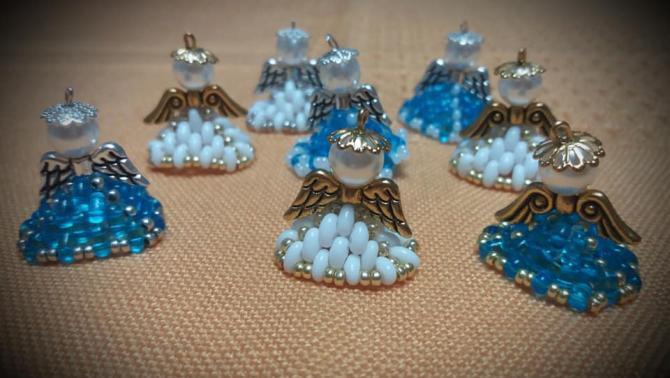 A foglalkozáson elkészült gyöngyangyalkák (Minta: Szeghalmyné Ócsai Marianna)