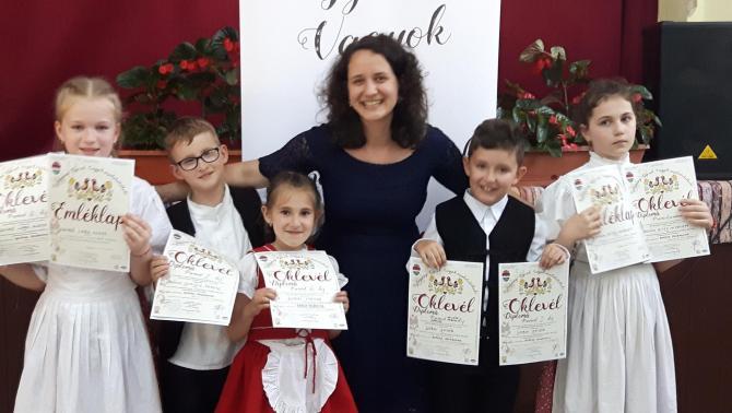 Ötből öt díjazott!!! :) Tanítványaimmal az eredményhirdetés után