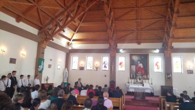 Évnyító a kápolnában