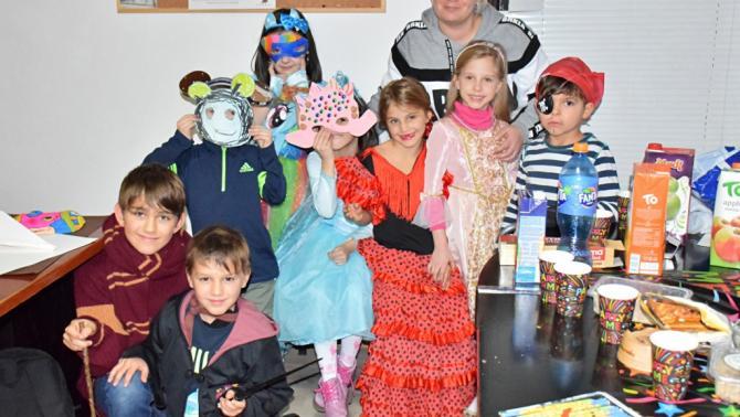 67e07ffd8c A HUM Magyar Polgárok Egyesületének helyiségében rendezett eseményen a  Szarajevóban élő gyermekek megválasztották a legkedvesebb jelmezt, majd  hangos.