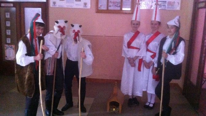 A gálocsi betlehemes játékot bemutató ungvári csapat