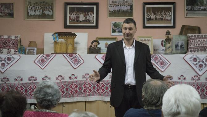Hajvert Ákos Radnóti-díjas versmondó