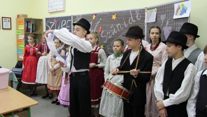 A Csüllő szüreti mulatságba hívja az iskola tanulóit