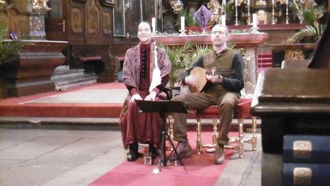 húsvétváró koncertjén a moldvai csángó hagyományban fennmaradt archaikus magyar szentes énekek csendültek fel