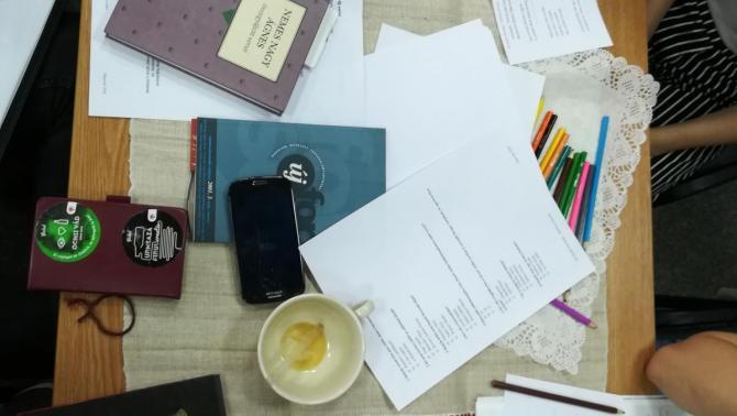Költészeti asztal
